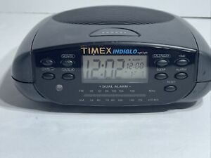 Timex Indiglo T433B Dual Alarm FM/AM Calendar Clock Radio Display Radio Works