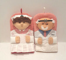 2pc Set Oven Mitts MD Doctor Male and Nurse Female Faces NWOT Kitchen Home Decor
