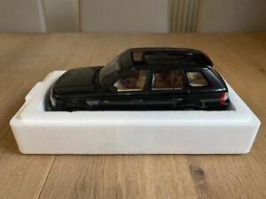 AUTOart 1:18 Range Rover Sport Schwarz