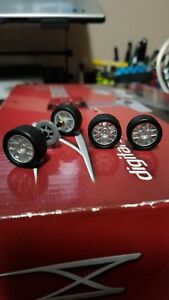 NEW SCX Digital & SCX WOS SEAT LEON WTCC REAR AXle AND FRONT WHEELS WITH TIRES