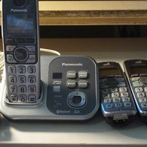 Panasonic KX-TG7731C DECT 6.0 Bluetooth 3-Handset Cordless Phone System
