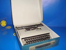Maquina de escribir vintaje OLIVETTI modelo Dora BUEN ESTADO con funda