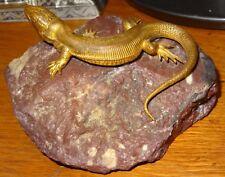 Superbe figurine bronze doré reptile lézard sur un rocher 1900's très bel état