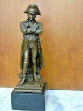 statue de napoléon sur champs de bataille en bronze sur socle signé .