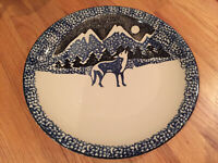 "Tienshan Folk Craft Wolf in Mountains Round 12"" Chop Plate / Serving Platter EUC"