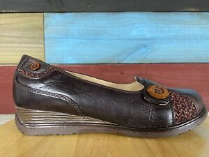 Dansko PAM Wedge Heel Brown Loafer Leather Shoes Size US 7.5-8 38 Button Accent