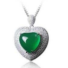 LOVELY GREEN CHALCEDONY & FLAWLESS CREATED DIAMOND 925 STERLING SILVER PENDANT