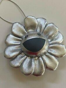 Takashi Murakami  Silver Flower Cushion Pin plush 8 cm Complexcon Kaikai Kiki !!
