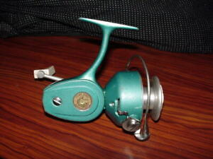 Vintage PENN 722 Spinfisher  - SPINNING FISHING REEL