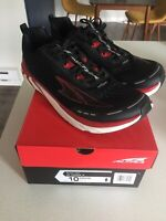 Altra Torin 4 Men's Road Running Shoes Black/Red  Size 10