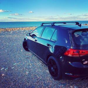 YAKIMA BLACK Flush Roof Racks to fit VW Golf Mk 7 and 7.5 - 2013 on - 5 door.