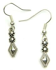 Hand Made Silver Colour Fixed Drop With The Shape of A Diamond Earrings HCE397