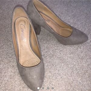 Corelli Grey Block Heel. Size 8.