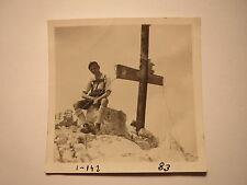 Paul Köhler  - Alpspitz - 1927/29 - junger Mann in Lederhose am Gipfelkreuz Foto