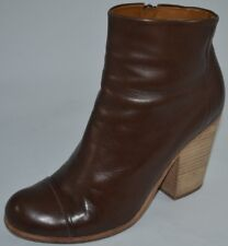 COCLICO CELIE Womens Brown Leather Cap Toe Ankle Boots Booties Size 8.5 - 9 $435