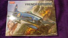 Academy 1:48 F8F-1/2 Bearcat luchador de la Fuerza Aérea Francesa Modelo de Avión Kit #12201