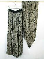 Vintage NEMO Culottes/Wide Leg Pants Womens Sz S Black/Cream Aztec Print Scarf
