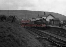 PHOTO  GWR LOCO  3680 AT CWMDU RAILWAY STATION ON 29TH MAY 1954