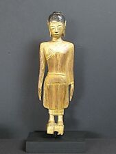 Antico Budda in legno del Laos