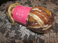 NEW ISAAC MIZRAHI CRAFT Downtown Tan Brown Yarn Bulky Acrylic Wool 140 g