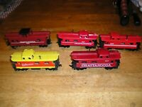 HO TRAIN LOT CHATTAN-5. 5 TYCO CHATTANOOGA CABOOSE