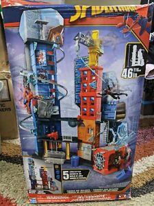 "Marvel SPIDERMAN Mega City 46"" Tall Playset *RARE FIND* never set up damaged box"