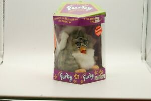 """Furby """"Amay"""" 70-800 Electronic Interactive Toy NON-WORKING Used"""