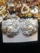 Sarah Coventry Jewelry Clip On Earrings Silver Tone Pin Wheel W/Faux pearl