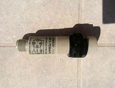 OMRON E3F2-7DB4-P1 photo sensor cellule photo-électrique