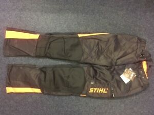 New boxed Stihl Dynamic Chainsaw  trousers CLASS 1 size Large