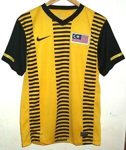 MALAYSIA 2010 FOOTBALL SHIRT BY NIKE MEDIUM JERSEY
