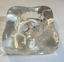 Cendrier en verre avec un lion
