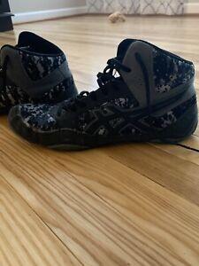 ASICS wrestling shoes size 7.5