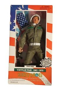 Soldiers Of The World Vietnam War Color Guard 1961 - 1975 figurine (doll)