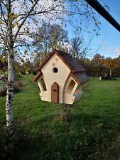 Cabane Oiseaux en bois fabrication artisanale mangeoire et nichoir décoratif