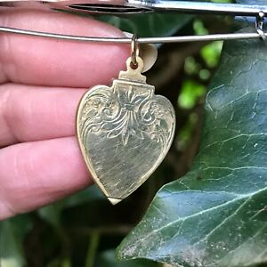 VICTORIAN 9 CARAT YELLOW GOLD BACK AND FRONT HEART SHAPED PHOTO LOCKET