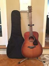 Brand new!!!! Yahama acoustic guitar w/ black case and stand