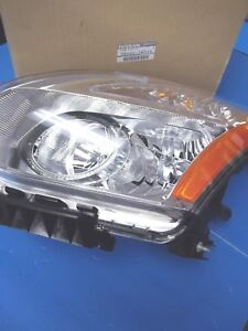 NISSAN ROGUE GENUINE LAMP-ASSY LEFT 26060-JM00A !