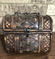 VINTAGE Woven Wicker & Wooden Treasure Chest Box Purse W/ Latch & Handle *LooK*
