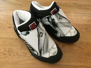 Five Ten Karver Flat Pedal MTB Cycling Shoes Women's 39.5 US 8.5 in Ash Grey
