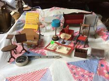 LOT OF  MINIATURE DOLLHOUSE FURNITURE AND ACCESSORIES