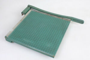 """VINTAGE PREMIER BRAND PHOTO MATERIALS CO. PAPER CUTTER 13""""X13"""" GUILLOTINE STYLE"""