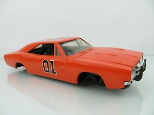 Autographed Dukes of Hazard General Lee 1:24 Diecast Ertl 1981 Condition Issues