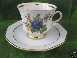 Kaffeegedeck Kaffeetasse + Untertasse /Sammeltasse 10-eckig Winterling Rose blau