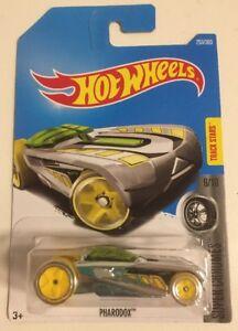 Mattel HOT WHEELS 253/365 Super Chromes Pharodox 9/10 NEW Collectable Long Card
