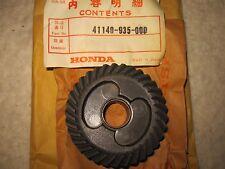 NOS Honda Outboard Motor B75 Propeller Shaft Front Bevel Gear 41140-935-000