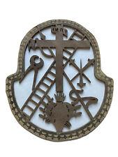 Religiosa Bois Ajouré Croix Instruments de la Passion Sacré Coeur Époque XIX ème