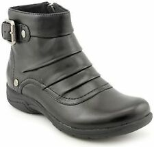 Clarks Women's Snow and Winter Boots