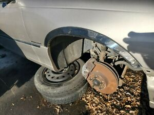 1998-1999-2000-2001-2002 LINCOLN TOWN CAR RIGHT FENDER CHROME MOLDING