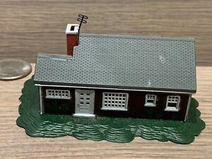 N Scale Bachmann Single Story House - Suburban w/ Porch